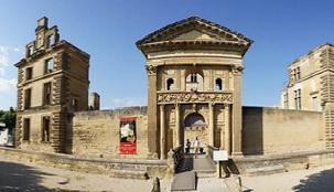 Le Château de la Tour d'Aigues